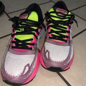 ASIC running shoe